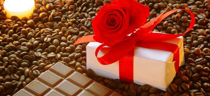 podarok bant roza shokolad kofe zerna svecha romantika prazdnik 84975 1280x720 870x400 - Антенны на автомобиль пелена